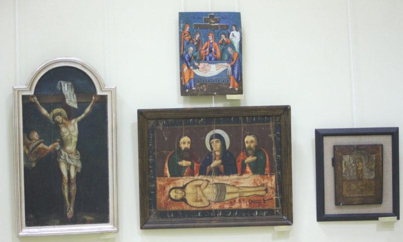 У церкві Катедрального собору Преображення Господнього в Коломиї відкрилась експозиція на базі колекцій покійного владики Миколая Сімкайла