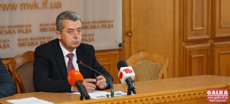 Анушкевичус сказав бізнес-активу Франківська, що хоче знову йти в мери – тепер хоче знати їх анонімну думку