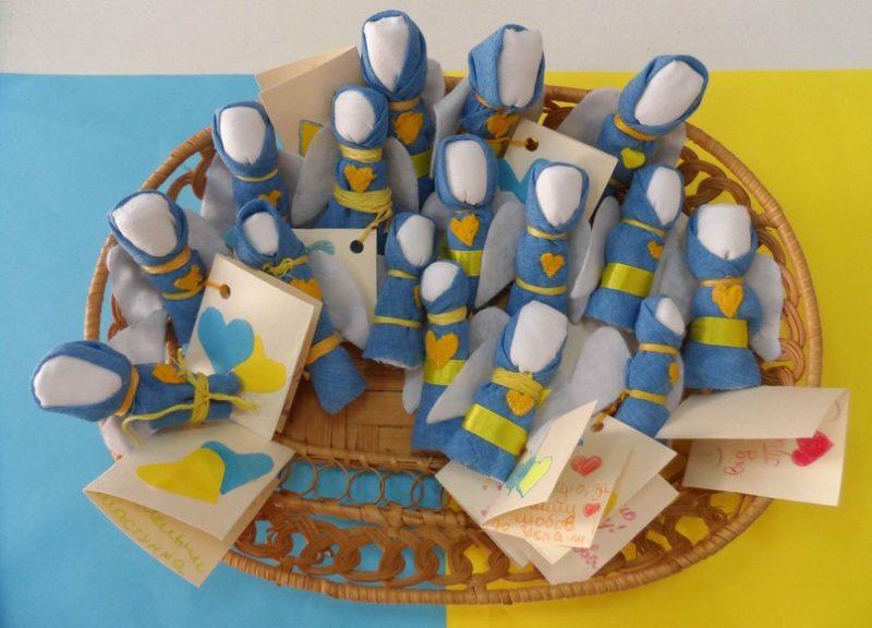Військовим на Луганщину відправлять ляльки-мотанки