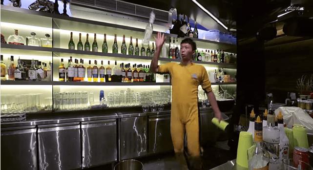 Якби Брюс Лі був барменом