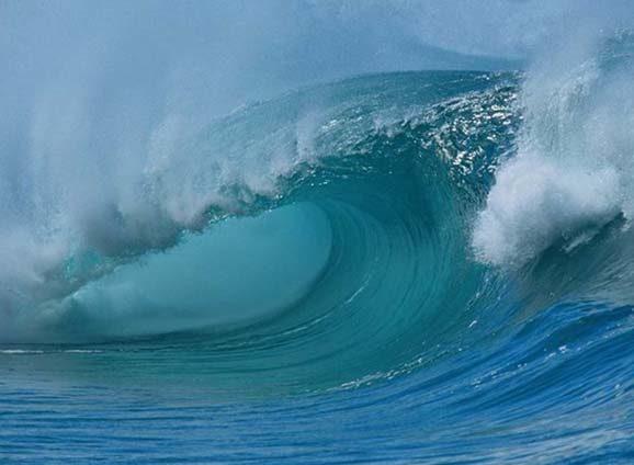 Пляжі Чорноморки та Іллічівська накрила гігантська хвиля. Є постраждалі