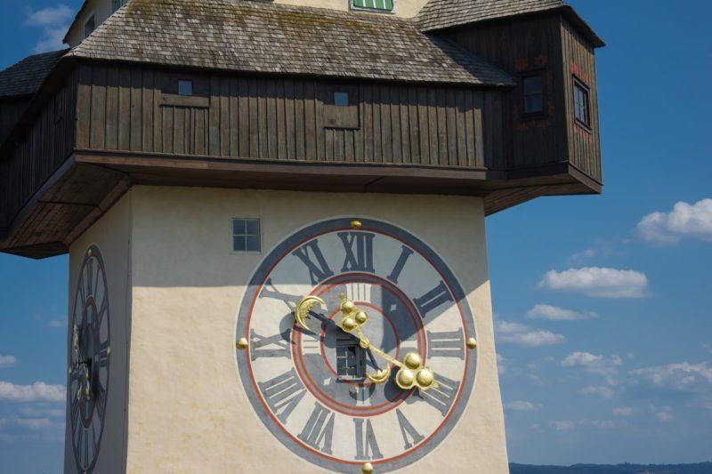 В австрійському замку Шлосберг стартували літні екскурсії