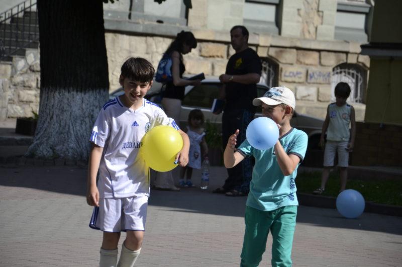 """""""Мами Прикарпаття"""" відзначили День захисту дітей"""
