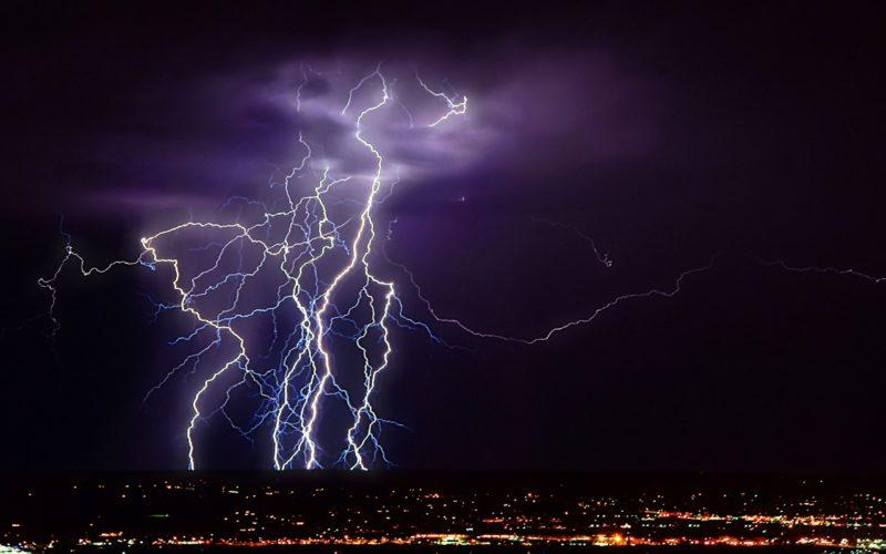 У США 7 осіб отримали поранення від удару блискавки