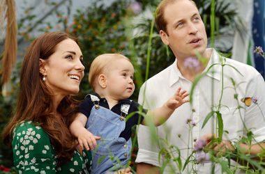 Принц Вільям і Кейт Міддлтон показали фото свого сина (фото)