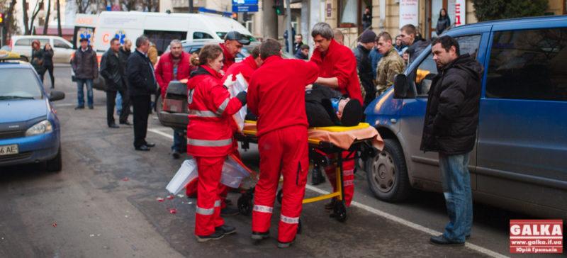 Подробиці ДТП на Грушевського: є одна жертва (ФОТО)