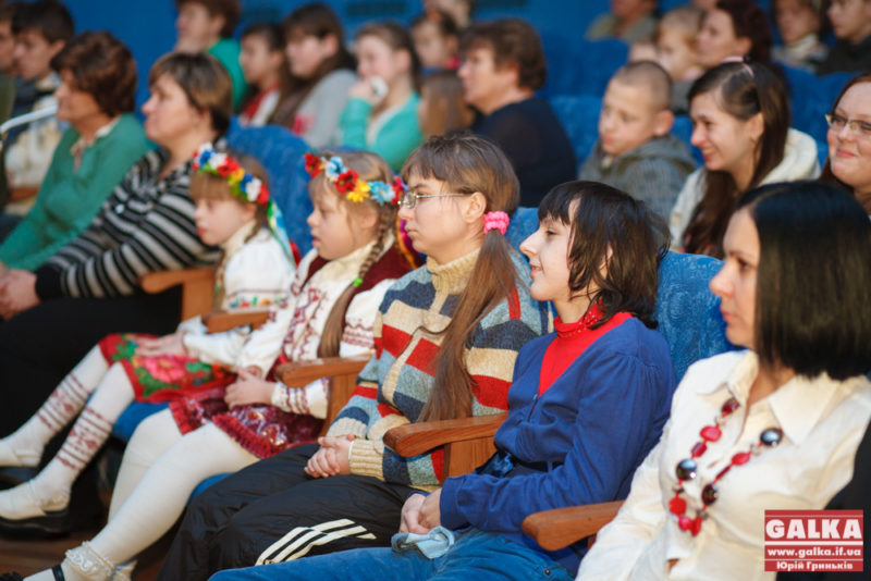 Франківські діти з особливими потребами показали свою любов до України на щорічному фестивалі (ФОТО)