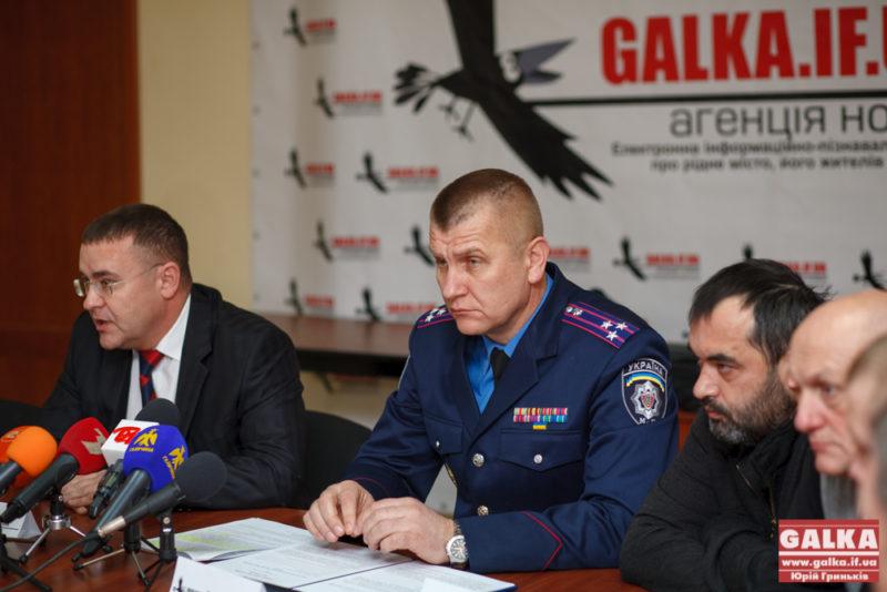 Семенишин запропонував розпочати люстрацію з нього і його родини