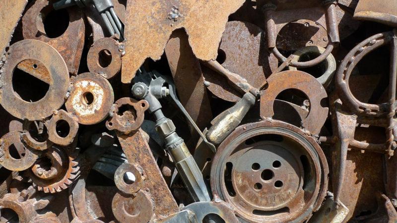 Прикарпатець вкрав металеві речі із подвір'я пенсіонера