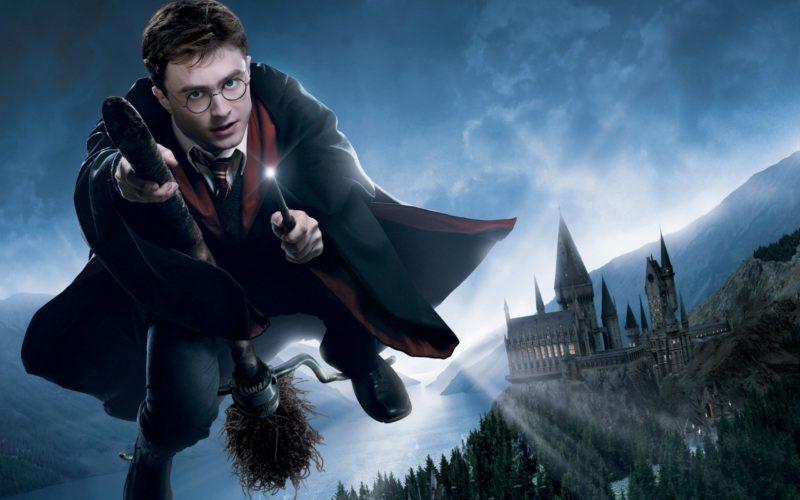 Джоан Роулінг опублікує 12 нових історій про Гаррі Поттера до Різдва
