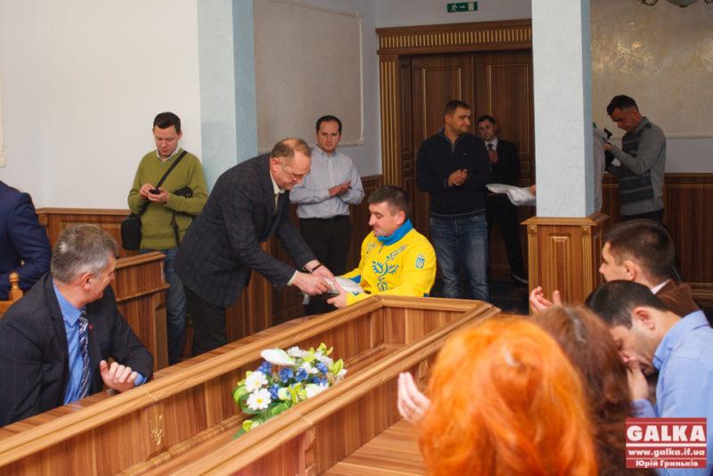 Прикарпатські спортсмени отримали подяки Облдержадміністрації за 2013 рік (ФОТО)