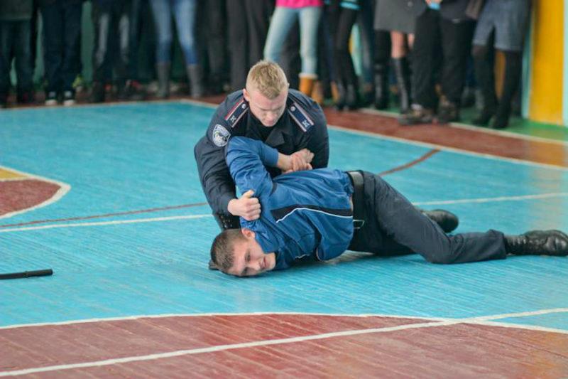 Школярів міста вчили прийомів самооборони (ФОТО)