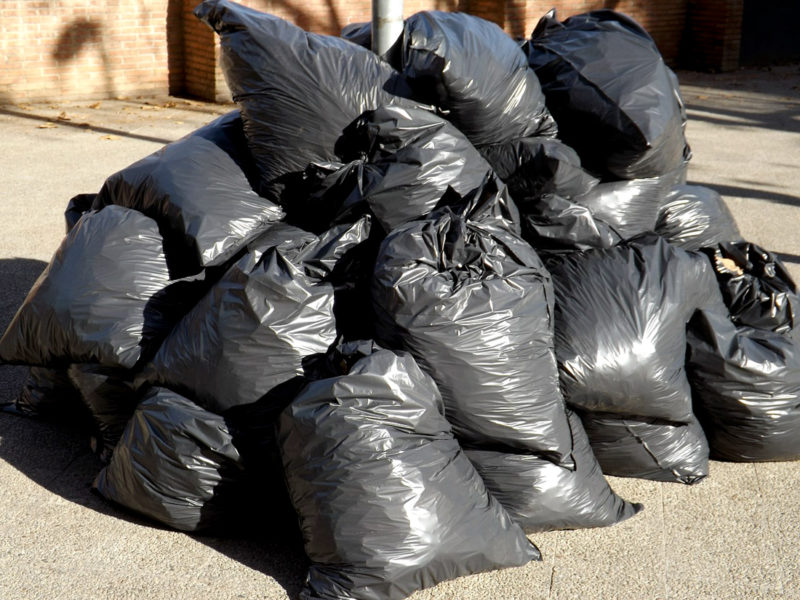 У МВК хочуть піднімати ціну на вивіз сміття, але одночасно з новим конкурсом