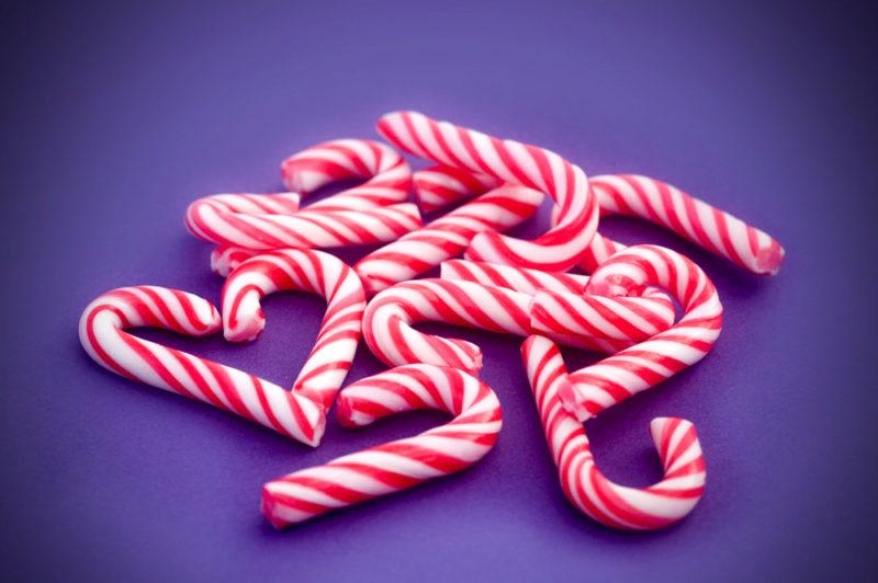 Водій луцької маршрутки третій рік пригощає дітей цукерками