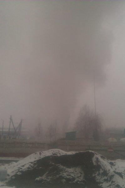 В районі Велесу виникла пожежа – горіли склади (ВІДЕО+ФОТО)