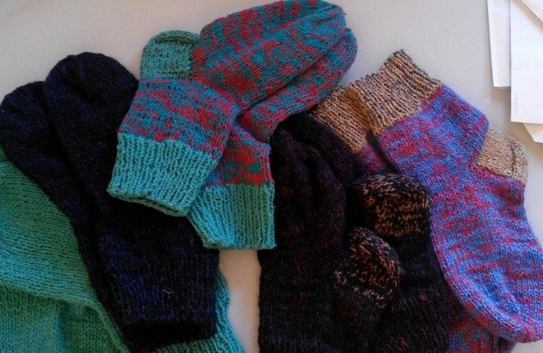 На вечорницях школярі із батьками сплетуть шкарпетки для «Айдару»