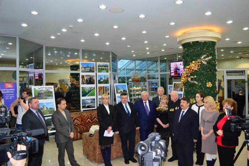 """В готелі """"Надія"""" відкрилася виставка відомого угорського фотохудожника"""