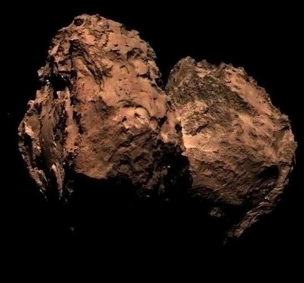 Перше кольорове фото найпопулярнішої комети сьогодення