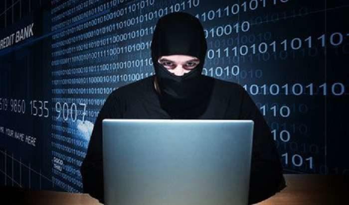 """Як не потрапити """"на гачок"""" кібершахраїв: поради франківських поліціянтів (ВІДЕО)"""