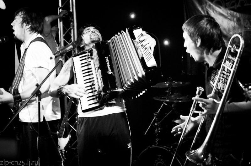 У новому альбомі Kozak System будуть пісні на вірші Жадана і Положинського