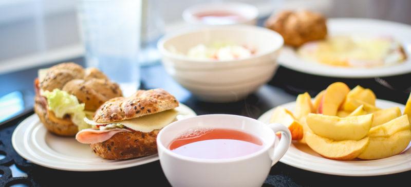 Журналісти з'ясували, чому обіди в шкільних їдальнях неможливо їсти (ВІДЕО)