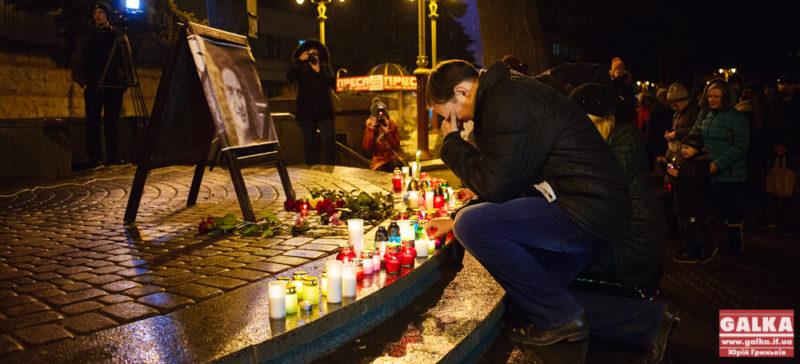 Багато свічок та гучні оплески: великого музиканта Кузьму Скрябіна вшанували франківці (ФОТО)