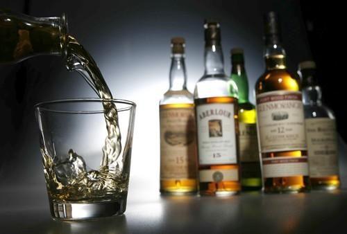 Підприємців, які торгують тютюном та алкоголем, оштрафували на півтора мільйони гривень