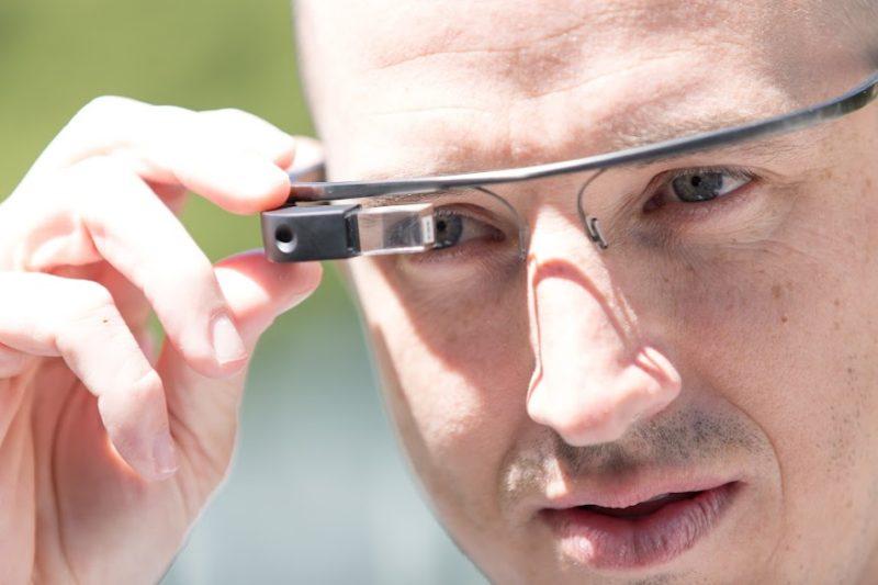 Невдалий проект розумних окулярів Google почнуть з нуля
