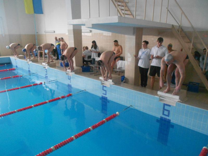 Іванофранківці завоювали 14 призових місць на змаганнях ветеранів з плавання