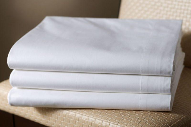 Волонтерам Прикарпаття потрібні тканини на наволочки та простирадла
