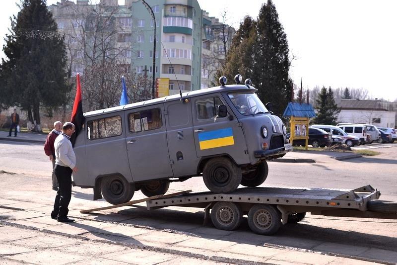 Богородчанські волонтери відправили в зону АТО черговий автомобіль