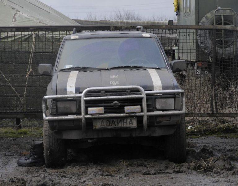 Прикарпатські волонтери передали у зону АТО позашляховик Nissan