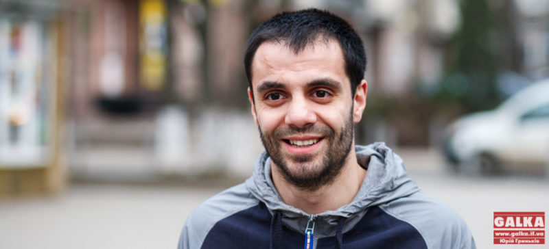 Андріан Волгін придбав машину та знову поїхав на Схід – наводити мости з людьми Донбасу (ФОТО)