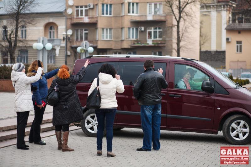 Франківські школярі поїхали до Польщі, аби розповісти одноліткам про війну в Україні (ФОТО)