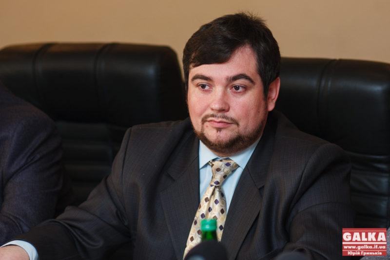 Заяву Яценюка про відставку франківський аналітик вважає запізнілим рішенням