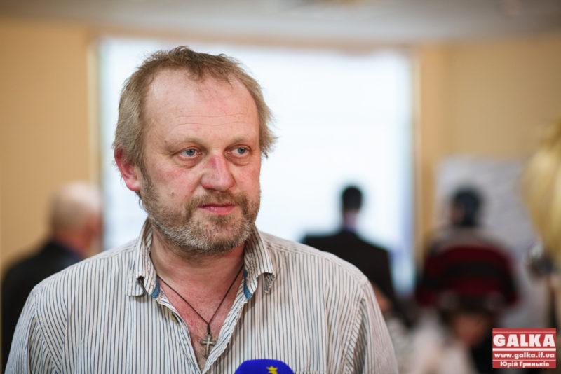 Тарас Прохасько презентує третю і заключну частину «кротячої епопеї» і переклад роману «Схід» Анджея Стасюка
