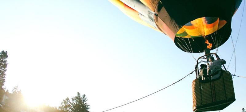Чоловік розбився на смерть, випавши з повітряної кулі на Львівщині