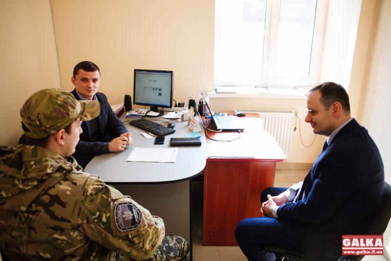 Народний депутат-свободівець відкрив громадську приймальню у Івано-Франківську