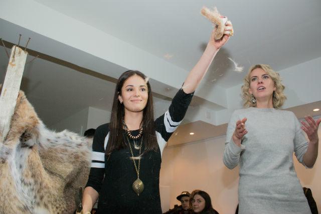 Франківська художниця розрізала шубу за 30 тисяч євро на шматки