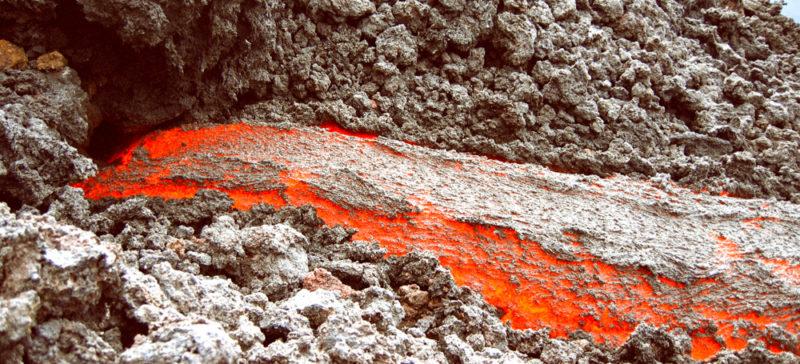 Як у Мексиці вивергається вулкан (ВІДЕО)