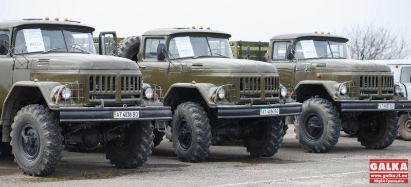 Франківський підприємець передав на потреби АТО три вантажівки (ФОТО)