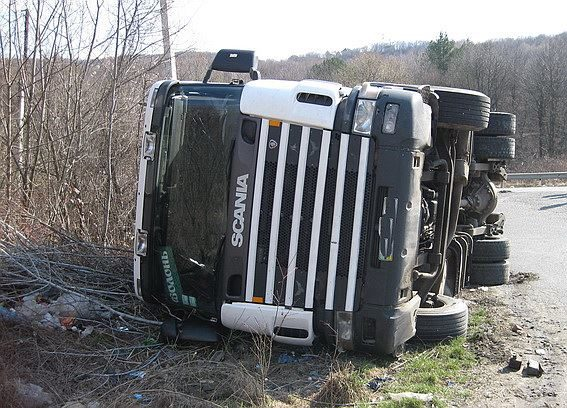 Прикарпатець постраждав у зіткненні вантажівок (ФОТО)