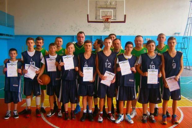 Баскетболісти Калуша перемогли івано-франківську команду на обласній олімпіаді
