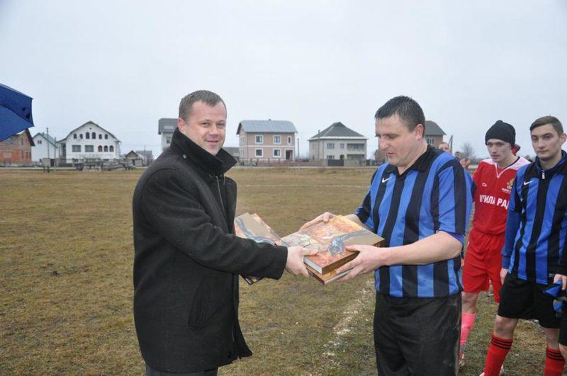 Сільські громади Старого Лисця та Хмельниччини наводили діалог грою у футбол