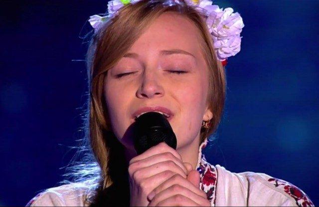 Голос країни: дівчина так заспівала «Пливе кача» що і зал і судді затамували подих (відео)