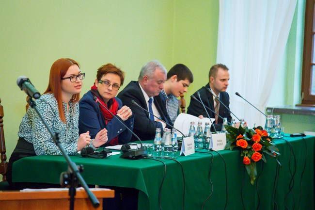 Студенти Івано-Франківщини, Львівщини та Польщі хочуть створити віртуальний Карпатський університет