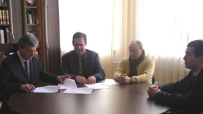 Прикарпатський університет підписав договір  з Національною академією образотворчого мистецтва