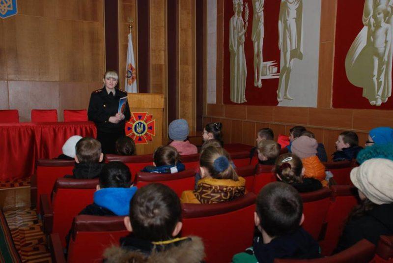 Франківські п'ятикласники побували в гостях у пожежників (ФОТО)