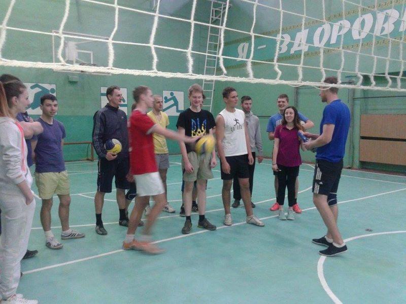 В Івано-Франківську скоро оголосять дату проведення змагань на першість Пасічної з волейболу – депутат