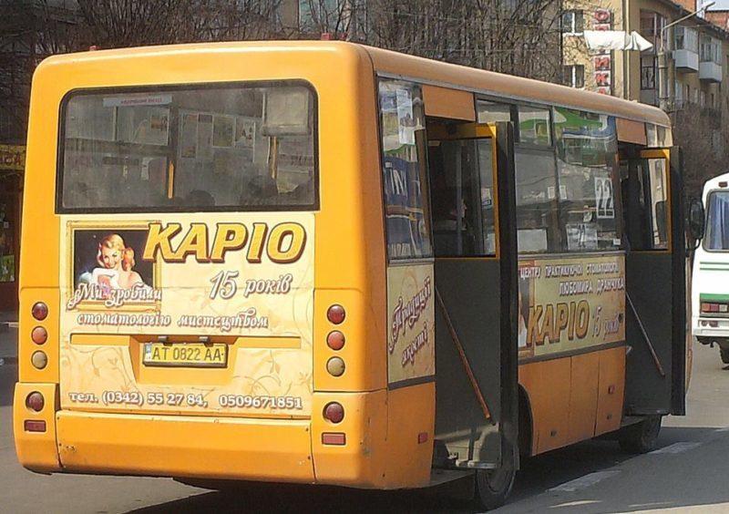 У Великдень франківці двічі зафіксували одного водія маршрутки на порушеннях
